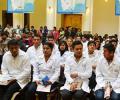 Becados 50 médicos bolivianos para especializarse en Cuba