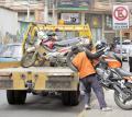 Las grúas que actúan ilegalmente deben ser procesadas por Alcaldía