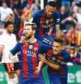 Barca gana con doblete de Messi y es l�der provisional